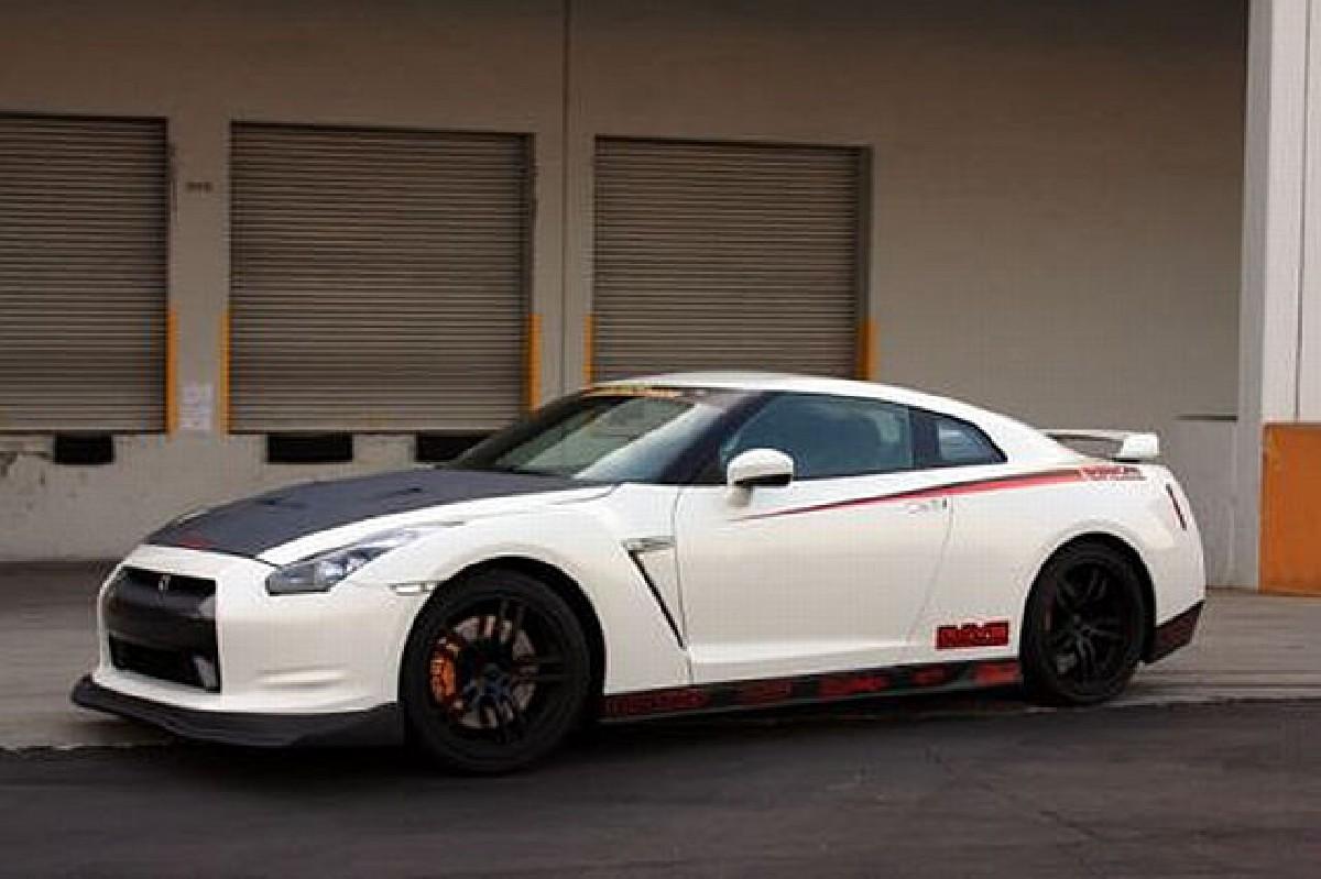 Seibon Carbon Seitenschweller Nissan GTR R35 09-10