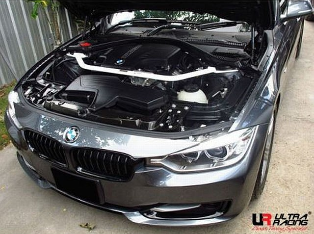 UltraRacing Domstrebe BMW 3er F30 320/328 ab 11
