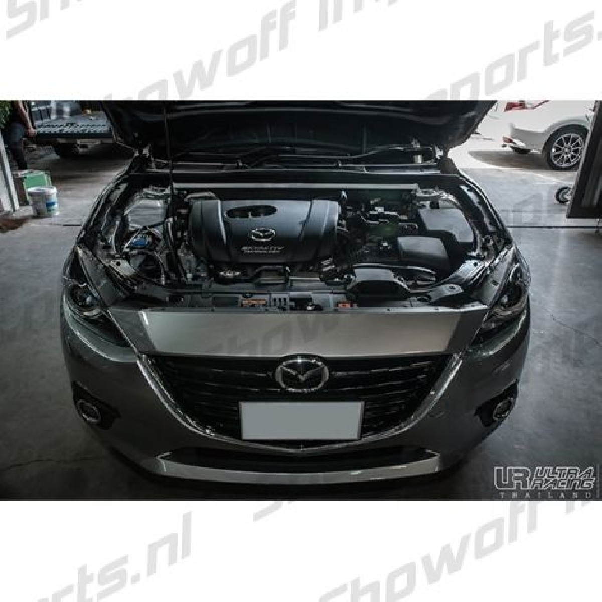 Mazda 3 13+ UltraRacing 2P Front Upper StrutBar