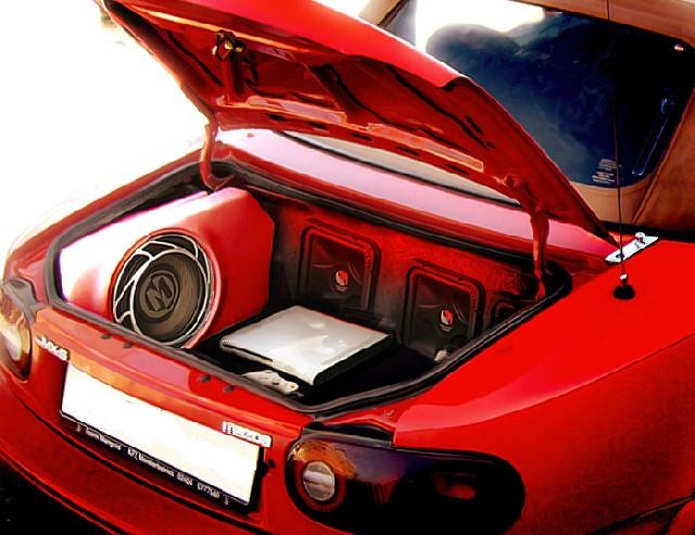 Mazda MX5 NA GFK Kofferraumausbau für Boxen
