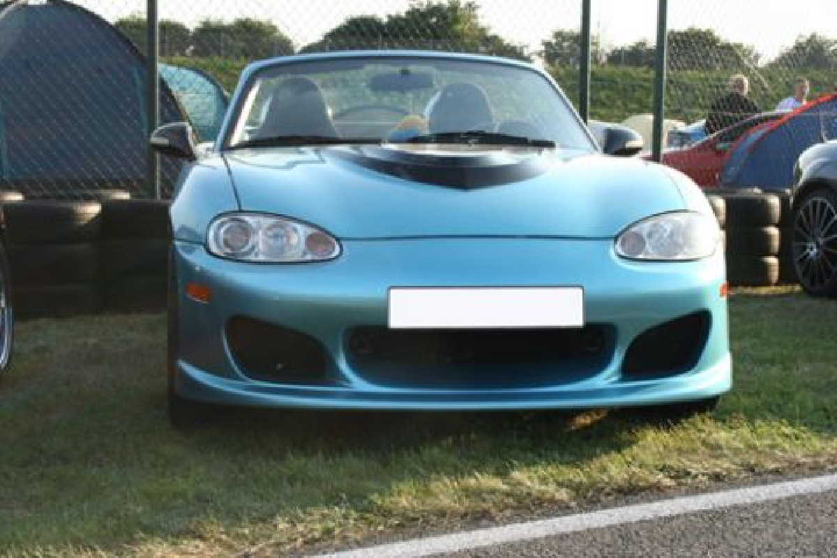 Mazda MX5 NB Frontstoßstange Facelift Modell