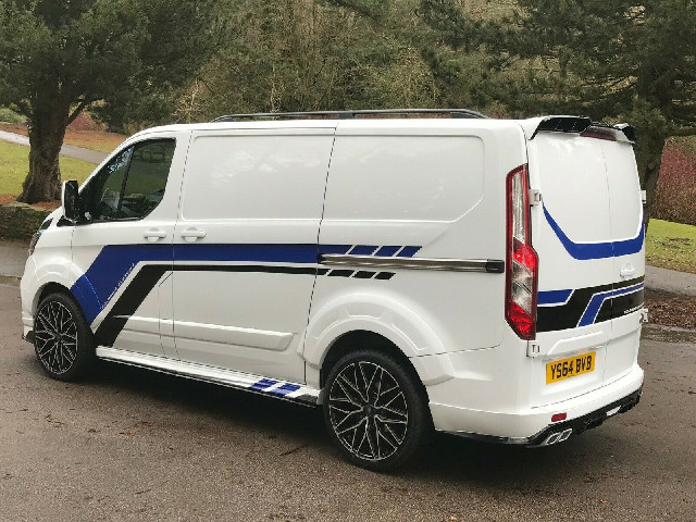 Seitenschweller Ford Transit mit Unterspoiler kurze Version