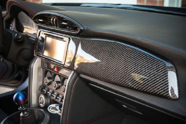 Carbontrenz Carbon Passenger Dash Cover LHD