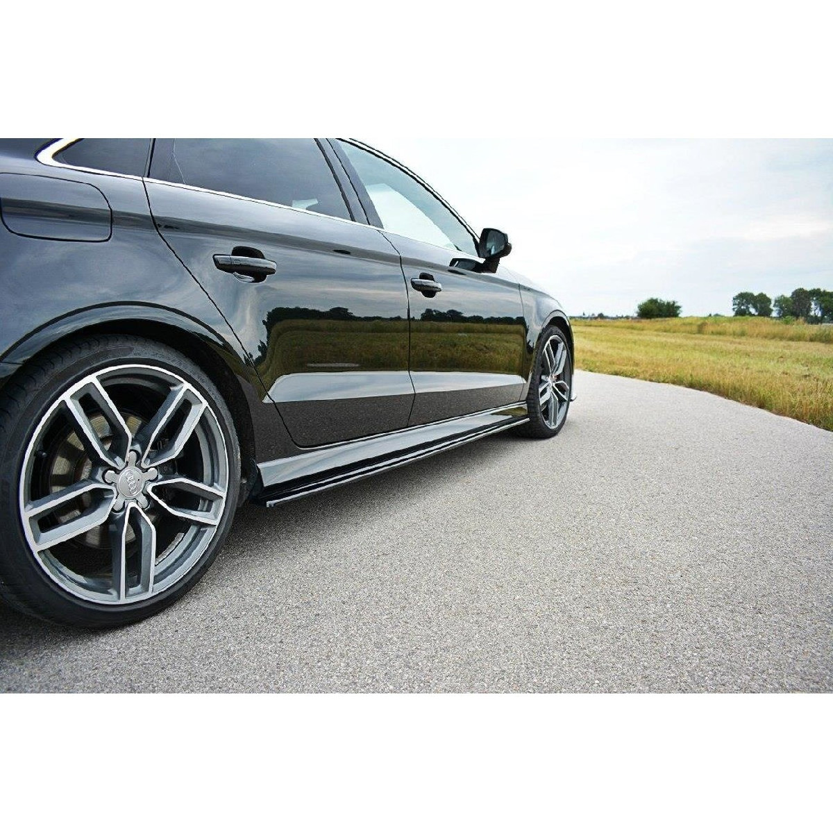 Seitenschweller Ansatz Cup Leisten für Audi S3 / A3 S-Line 8V / 8V FL Limousine schwarz matt