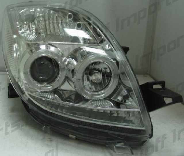 Toyota Yaris 06-09 Headlights Set Clear