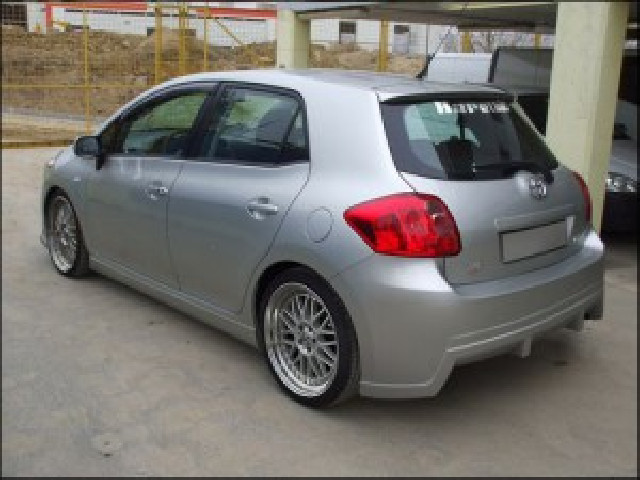 Heckstoßstange Toyota Auris E150