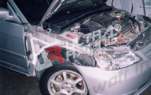 Honda Civic 01-05 2D 1.7 UltraRacing 3-Point Fender Brackets