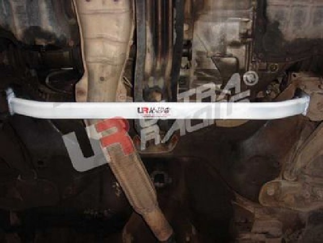 Nissan Sunny 95-99 B14 UltraRacing 2Point Front Lower Tiebar